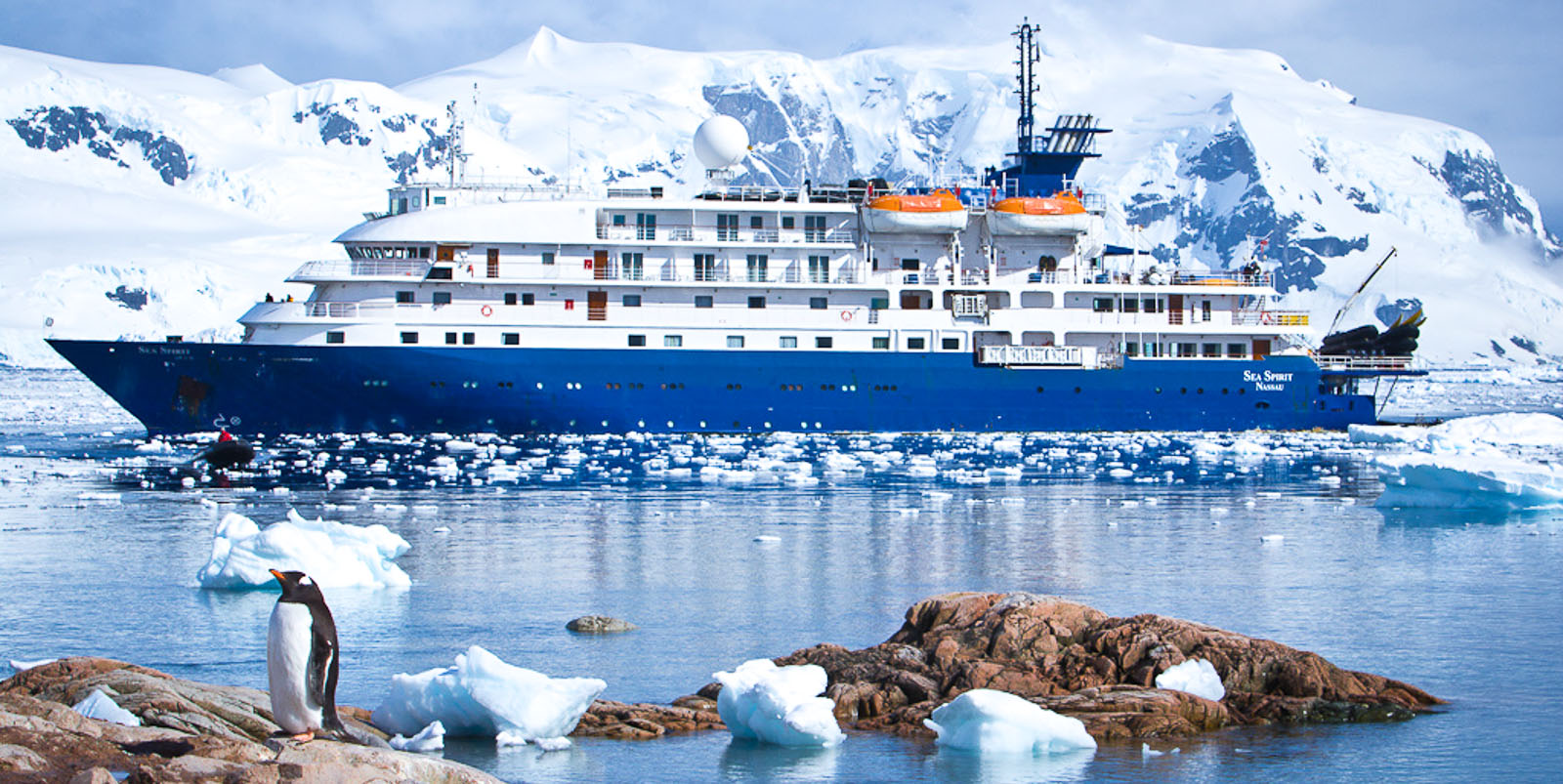 Land of Penguins & Icebergs – Tailormade Antarctica